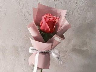 корпоративный букет с розы