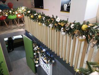 новогоднее украшение офиса