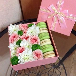подарок на женский день